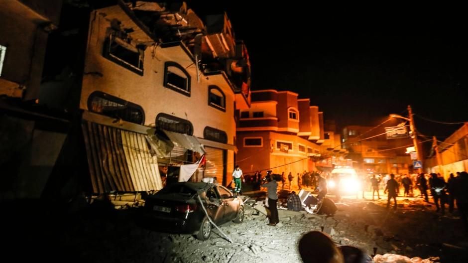 Israel tötet den Anführer des Islamischen Dschihad bei einem Angriff auf ein Haus im Gazastreifen.