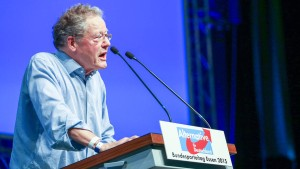 Konrad Adam erwägt Austritt aus AfD