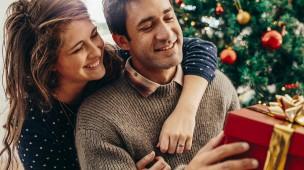 Wer teure Geschenke macht, muss damit rechnen, dass der Beschenkte unter den Druck kommt, ein ebenfalls teures Geschenk zu machen, sagt Wilhelm Schmid.