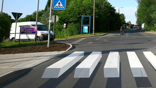 Der dreidimensionale Zebrastreifen muss bleiben!