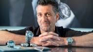 Schweizer Uhrwerk mit kasachischem Material: Bis die erste Werenbach-Uhr getickt hat, musste Patrick Hohmann viele Hindernisse überwinden.