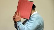 Niels H. war im Juni diesen Jahres wegen Mordes in 85 Fällen zu einer lebenslangen Haftstrafe verurteilt worden.