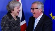 Zumindest sie wollen einen Deal: Theresa May und Jean-Claude Juncker Mitte Dezember in Brüssel