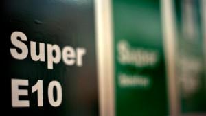 Niebel fordert Verkaufsstopp für Biosprit E10