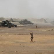 """Französische """"Tiger""""-Kampfhubschrauber auf dem Militärstützpunkt in Mali im März 2019."""