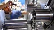 Die Maschine läuft: In Deutschland wird immer noch viel produziert.