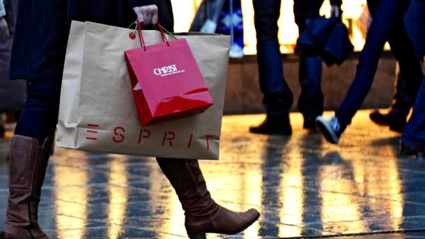 """Händler rechnen mit vielen """"Last-Minute-Einkaeufen"""" zu Weihnachten"""