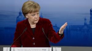 Merkel: Auch Aufrüstung stoppt Putin nicht