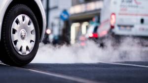 Drohen jetzt auch neuesten Dieselautos Fahrverbote?