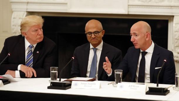Tech-Konzerne beklagen sich bei Trump über Macron