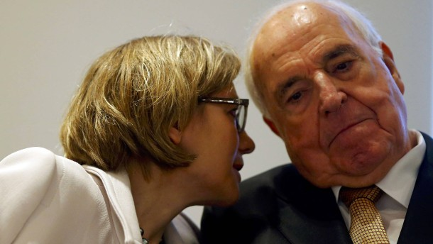 Former German chancellor Kohl and his wife Maike Richter-Kohl present his new book  in Frankfurt