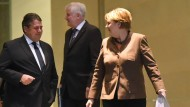 SPD-Chef Sigmar Gabriel, Bayerns Ministerpräsident Seehofer und Bundeskanzlerin Merkel am Donnerstag im Kanzleramt