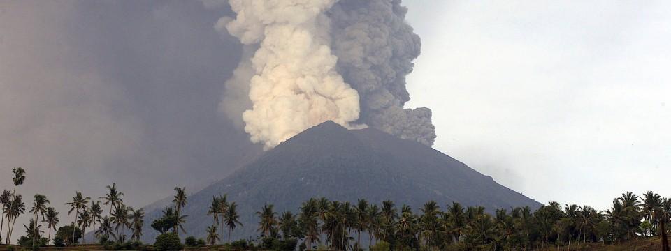 Schön Der Vulkan Mount Agung Auf Bali.