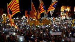 Tausende Demonstranten auf Barcelonas Straßen