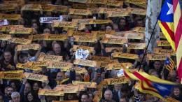 """""""Freiheit für die politischen Gefangenen!"""""""