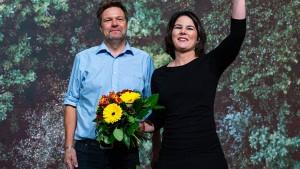 Grünen-Chefs Baerbock und Habeck wiedergewählt