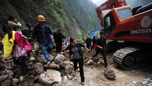 Zahl der Erdbeben-Opfer steigt weiter an