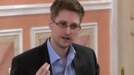 """Edward Snowden - Mitte Oktober in Moskau, eine Aufnahme, die """"Wikileaks"""" veröffentlichte"""