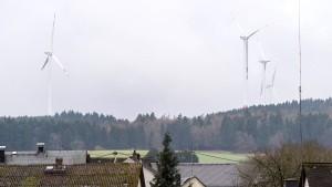 Noch zwei Rotoren für den Windpark