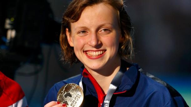 Katie Ledecky schwimmt mit Sechzehn zum Weltrekord