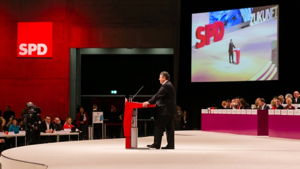 Der SPD-Vorsitzende beschwört die arbeitende Mitte