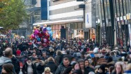 Anziehungspunkt für viele Hessen: Die belebte Einkaufsmeile Zeil