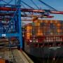 Auch im ersten Quartal 2017 stiegen die Exporte Deutschlands wieder stärker als die Importe.