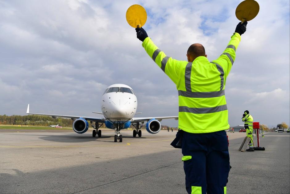 Bild zu k rzester internationaler linienflug von for Depot friedrichshafen