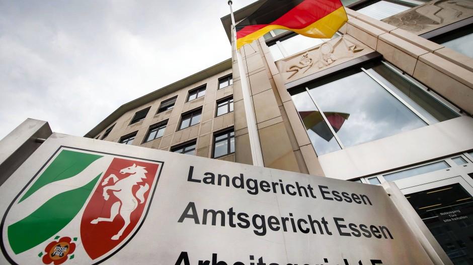 Landgericht Essen: Am Montag wurde das Urteil gegen fünf Gruppenvergewaltiger aus dem Ruhrgebiet gesprochen.
