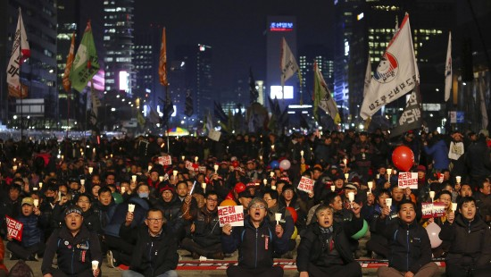 Südkoreaner demonstrieren gegen ihre Präsidentin