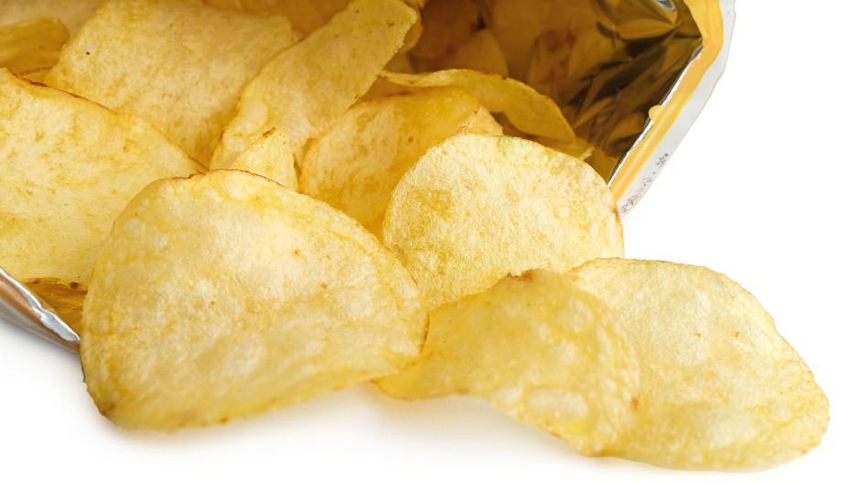 """Gute """"Snackability"""": Chips gehören zu einem Fußballspiel einfach dazu."""