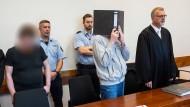 Urteilsverkündung: Die Angeklagten Mario S. (links) und Andreas V. im Landgericht Detmold