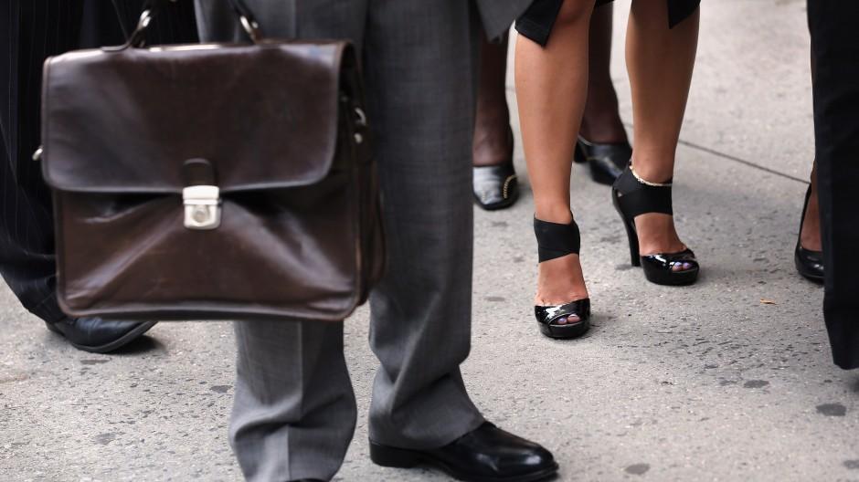 In ein Team mit vielen Frauen folgt auf einen Mann häufig eine Frau.