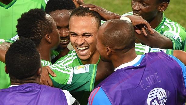 Nigeria kickt Bosnien aus dem Turnier
