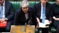 Gibt weiterhin nicht auf: Premierministerin Theresa May am Mittwochabend im britischen Unterhaus.