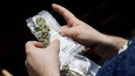 Anerkannte medizinische Behandlung: der Konsum von Cannabis kann aus medizinischen Gründen durchaus sinnvoll sein.