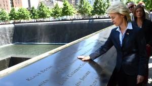 Von der Leyen gedenkt der Terroropfer am Ground Zero