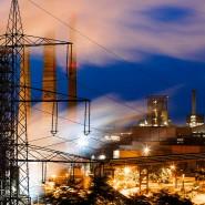 Trotz Lichtblick: Die Mehrheit der deutschen Industrieunternehmen bewertet ihre aktuelle Lage weiterhin schlecht.