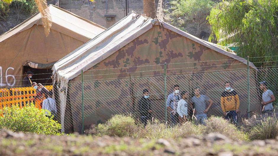 Notunterkunft: Zeltlager für Flüchtlinge auf den Kanaren