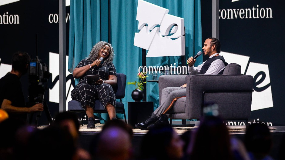Lewis Hamilton und Anne-Marie Imafidon auf der Me Convention