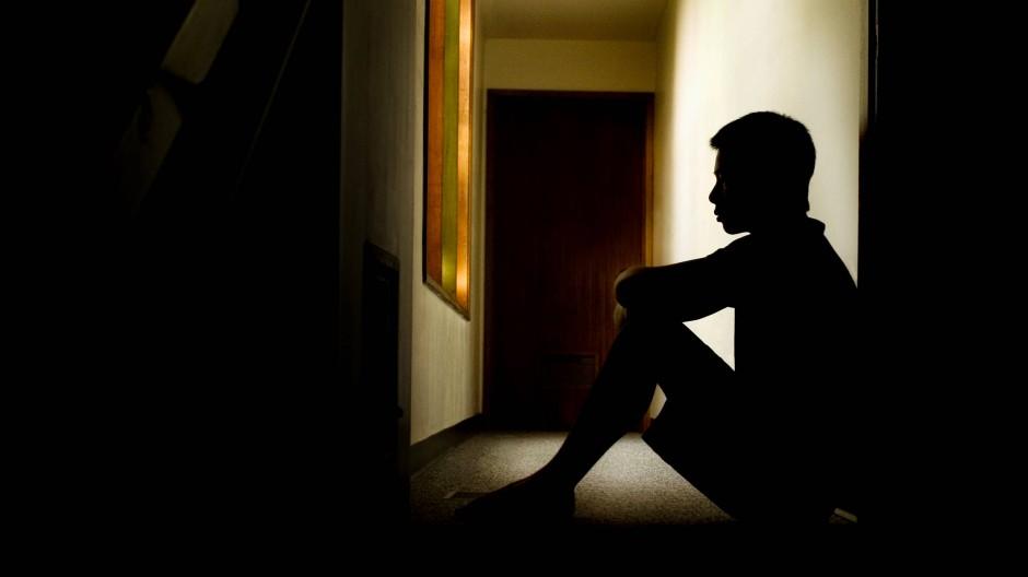 Wenn als Kind Traumata erlebt werden, kann dies zu epigenetischen Veränderungen führen, die Depressionen hervorrufen.