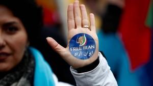 Iranerin muss wegen Kopftuch-Protest ins Gefängnis