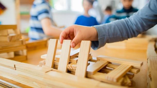Eltern ärgern sich über feste Frankfurter Vorgaben