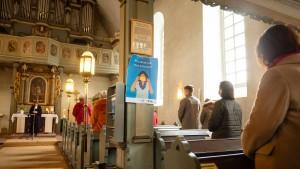 Merkel nimmt Bitte an Kirchen zurück