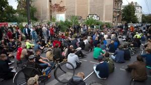 Berlin trauert nach Unfall mit vier Toten – und diskutiert