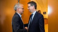 Tarek Al-Wazir (Bündnis 90/ Die Grünen) und Thorsten Schäfer-Gümbel (SPD) in Wiesbaden: Kommt es zusammen mit der FDP doch zu einer Ampelkoalition?
