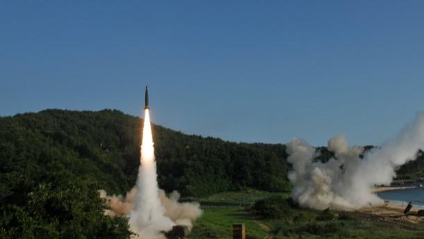 Brief Nach Nordkorea : Reaktion auf nordkorea militärübung nach raketentest