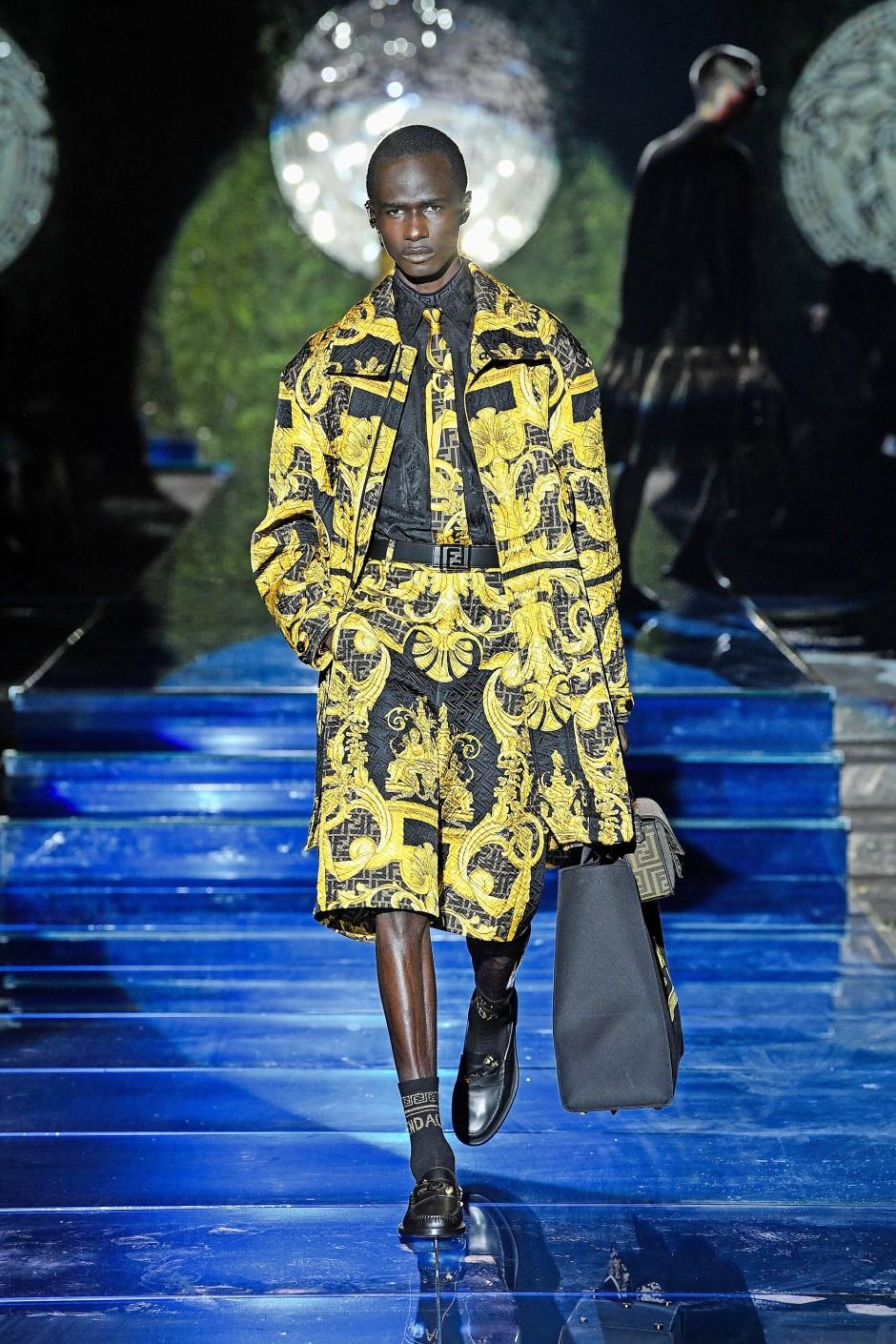 Versace wird nun von Fendi produziert ...