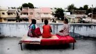 Opfer der globalen Arbeitsteilung: indische Leihmütter nehmen den kapitalistischen Spitzenkräften die Reproduktionsarbeit ab