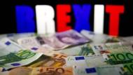 Wirtschaftsexperten fürchten um eine enorme Schädigung der wirtschaftlichen Beziehungen.